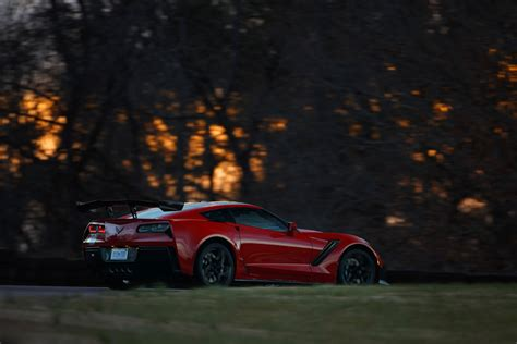Wallpaper Of The Day: 2019 Chevy Corvette ZR1 | Top Speed