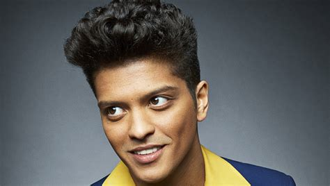 How Tall is Bruno Mars? (2020) – How Tall is Man?