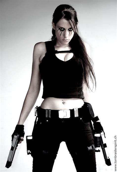 A Gallery On Lara Croft's Cosplay - EchoMon