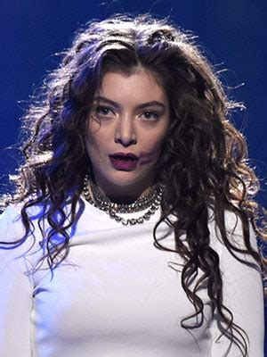 Is Lorde's Lipstick Smear the New Guitar Smash? | Allure