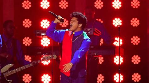 Watch Bruno Mars Perform 'That's What I Like' Live At The